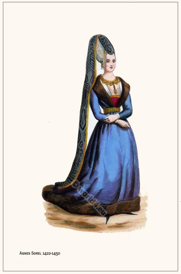 Medieval clothing for noblewomen