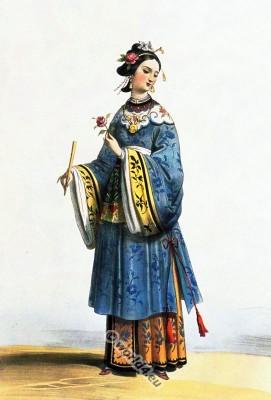 Chinese lady costume idea. Asian Costume History. China female clothing.