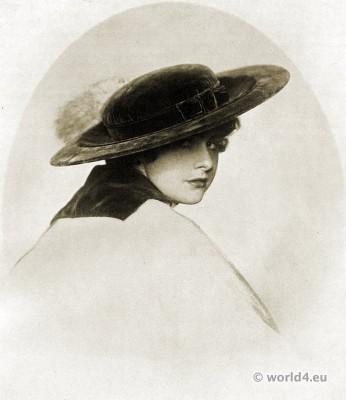 Iron Grey plush hat. Autumn hat fashion 1915.