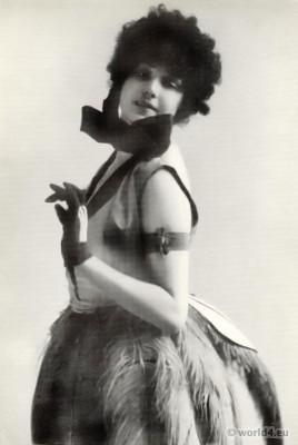 Clotilde von Derp, Sakharoff in modern dance costume. 1920s Fashion.