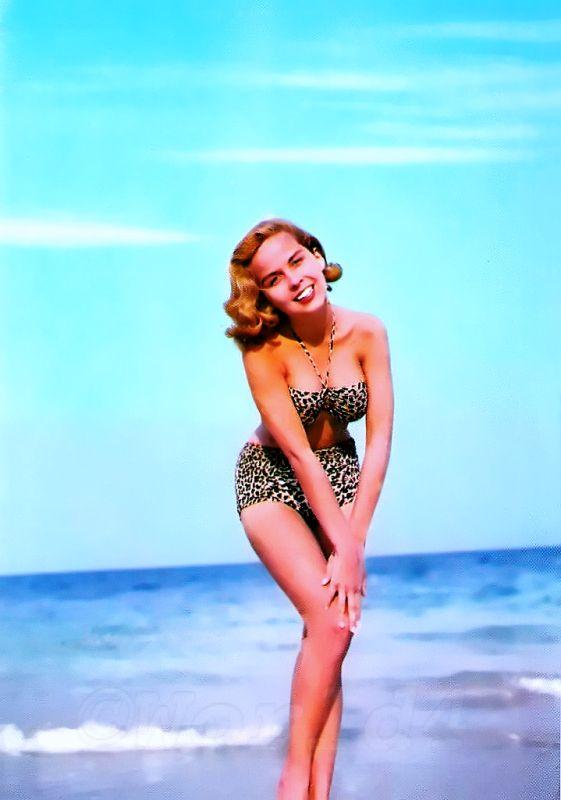 Vintage Bandeau Bikini 1960s Marilyn Style Costume