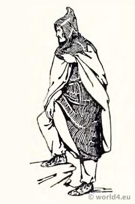 Frankish Merovingian tunica, bracco, cloak, cucullus or hood. Middle ages clothing. 4th century