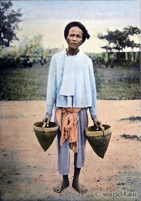 Vinh Long dress. Mekong Delta. Traditional Vietnamese Costume. Indigene de Vinh-Long.