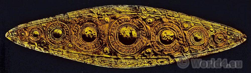 Gold diadem from Mycenae. Ancient greek jewlery. Mycene.