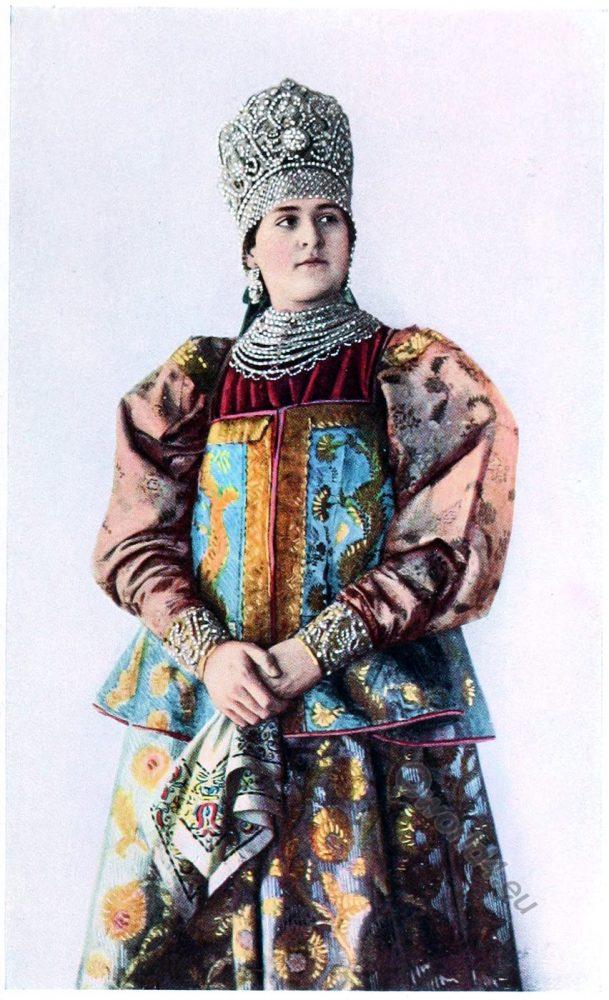 Veliky Novgorod, Russia, Peasant, costume, fashion history