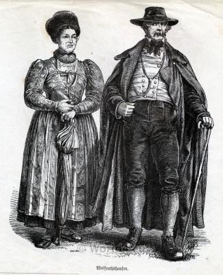 Traditional Bavarian Costumes from Wolfratshausen. Country fashion from Bavaria. Original Alt Bayerische Dirndl und Trachten.