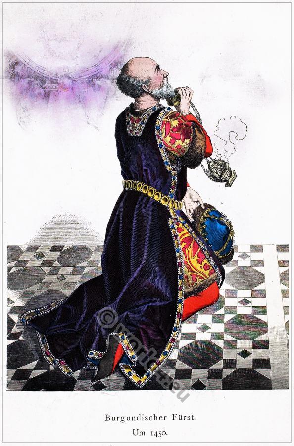 Burgundian Nobleman gown. 15th century costume.