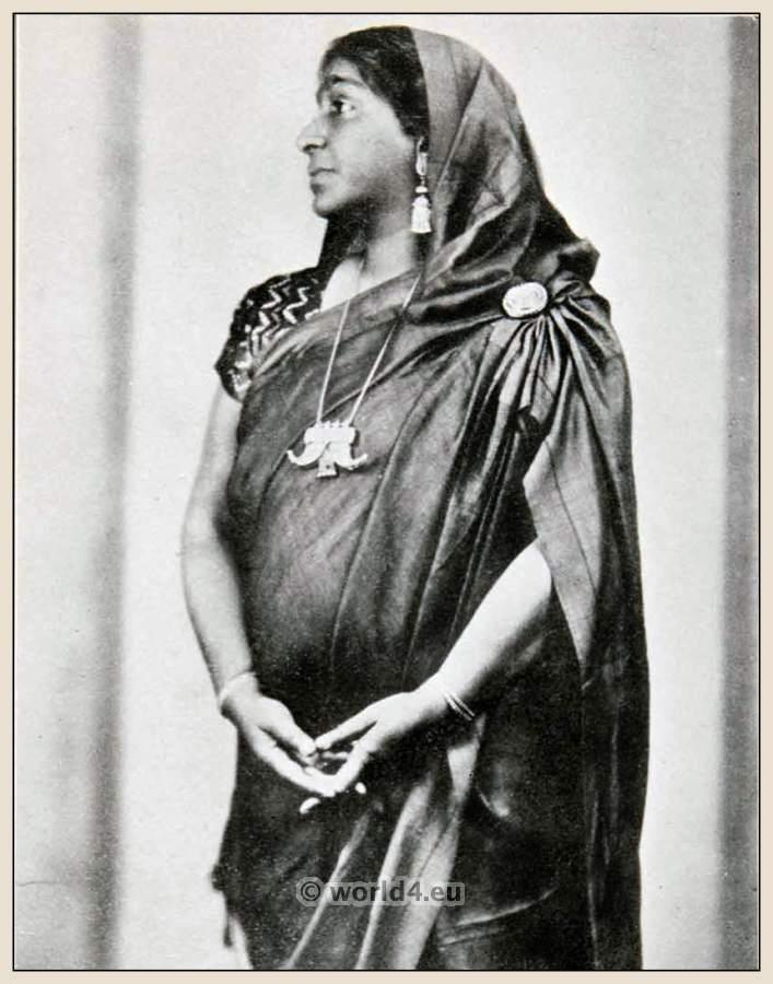 Sarojini Naidu, Indian, India, feminist, poet, Nightingale