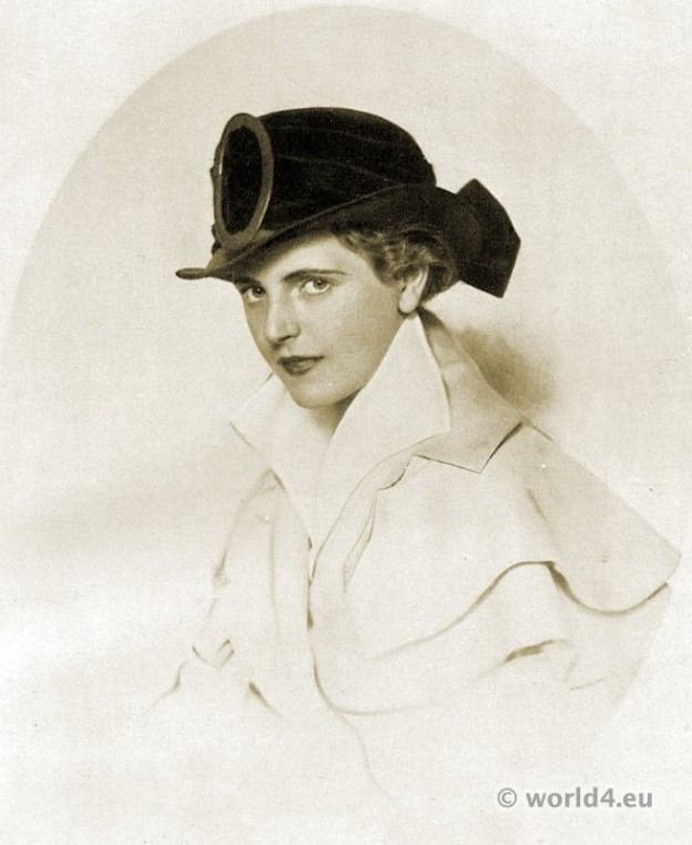 Autumn hat fashion 1915.