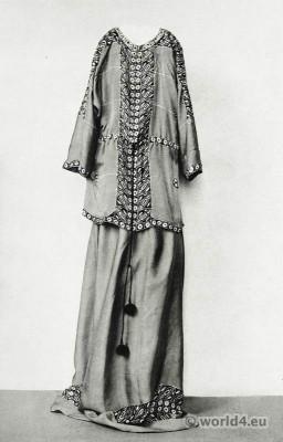 Vienna Secession, wiener werkstätten, Dress Crepe de Chine, Batik design, Art Nouveau Fashion, Designer, Yvonne Brick.