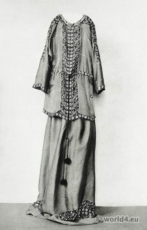Vienna Workshops. Dress Crêpe de Chine. Art Nouveau Fashion. Designer Yvonne Brick. Wiener Werkstätte