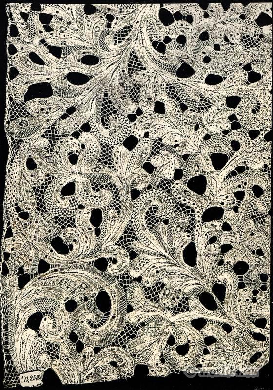 Bobbin lace linen. Flanders, early 18th Century.