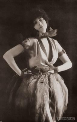 Clotilde von Derp in modern dance costume. 1920s Fashion.