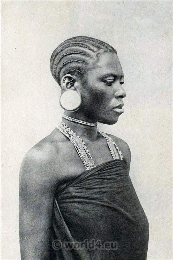 Traditional East African costume. African Hair fashion. Suahili, Swahili Woman.