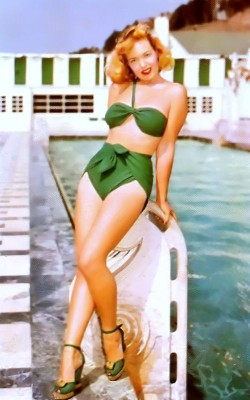 Pin-up girl in hottest Bandeau Swimsuite. Marilyn Monroe Style, Glamour Fashion. Boho style bathing suit.