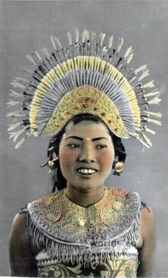 Balinese Janger Dance, Djanger Dancer Girl. Janger Dance, Traditional Indonesia dance costume. Native Bali dress
