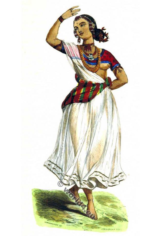 Bayadere. Devadasi. India. Dance costume. Bayaderes