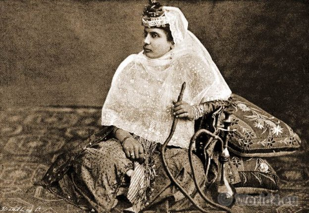 Harem girl. Ottoman empire. Shahrazade. Mysteries. Constantinople. Osman Costumes.