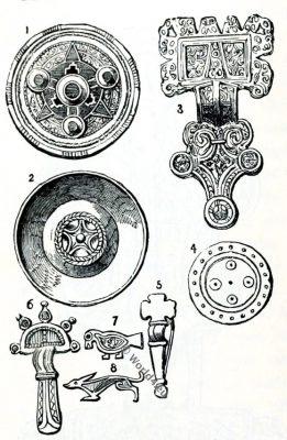 Anglo-Saxon fibulae. England medieval jewelry