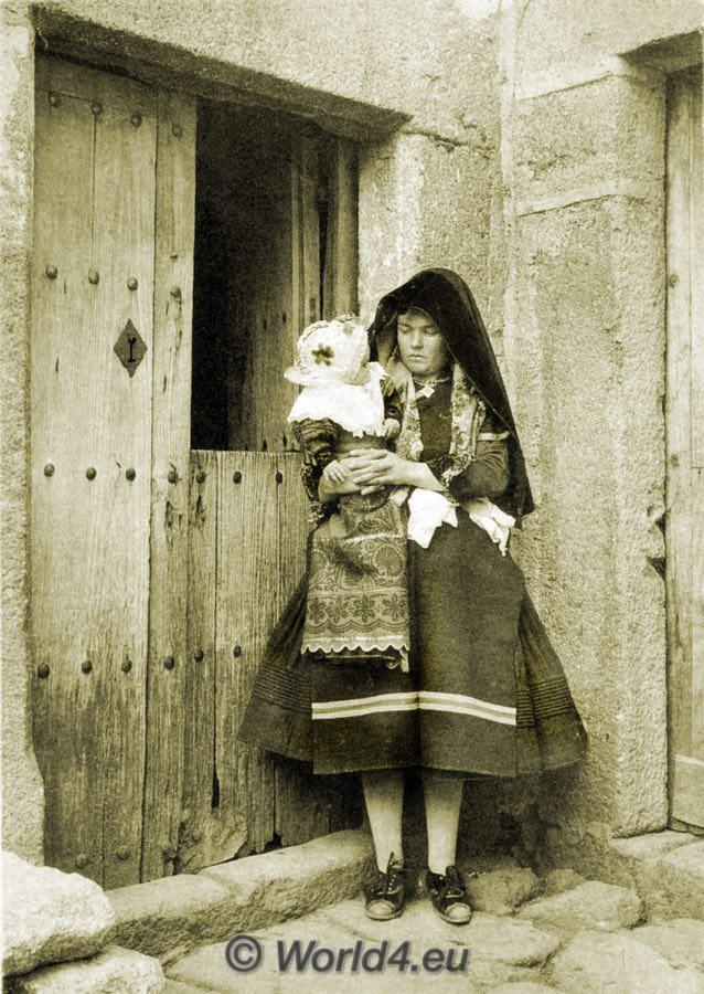 España, traje tradicional, Montehermoso