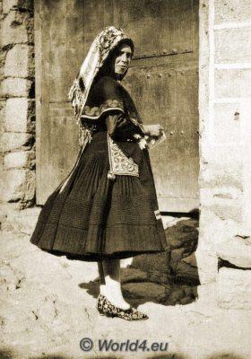 Spain, España, traditional costume, traje tradicional, Montehermoso, Monte Hermoso, Cáceres, Festival dress, vestido de Festival,
