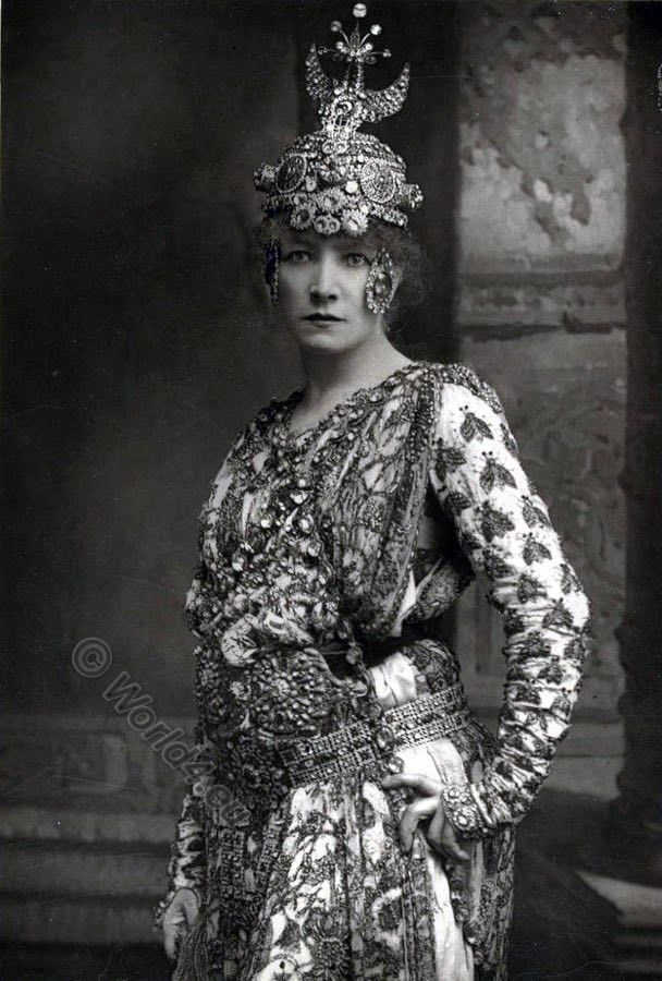 Sarah Bernhardt, French actress