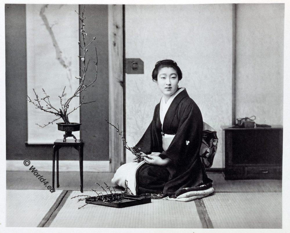 flower arrangement, Ikebana, 生け花, Japan, historical, Kimono, costume, Kazuma Ogawa, Photographer,