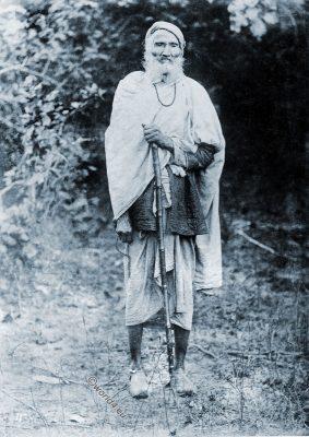 Jalali, Mohammedan, Faqir, Sufi, Muslim, ascetic.