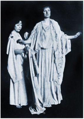 Ancient, Greek, dress, handmaid, himation