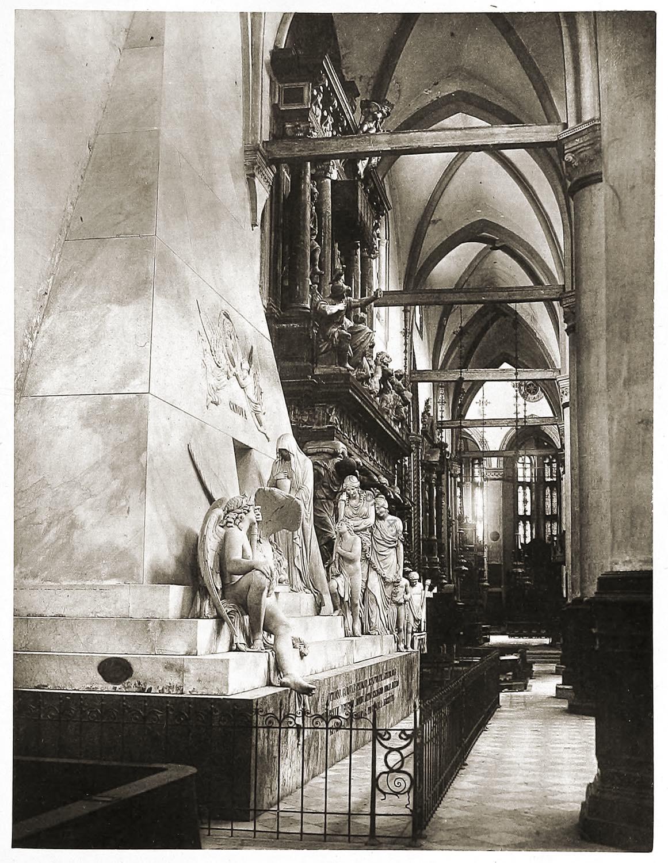Tomb, Monument, Antonio Canova, Venice, Italy,